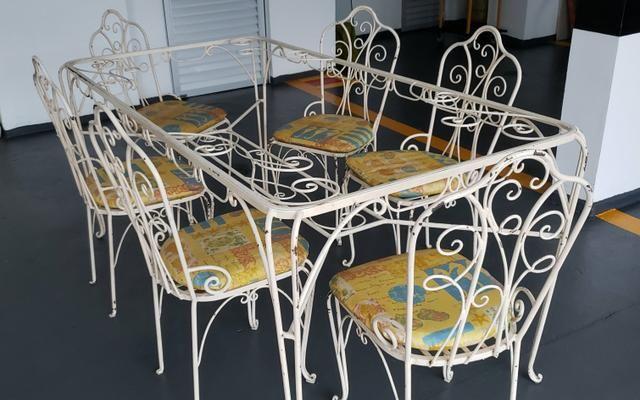 Mesa de jantar de ferro com 06 cadeiras - Foto 4