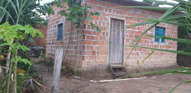 Vendo essa casa no ramal prox ao rio preto igarapé prox