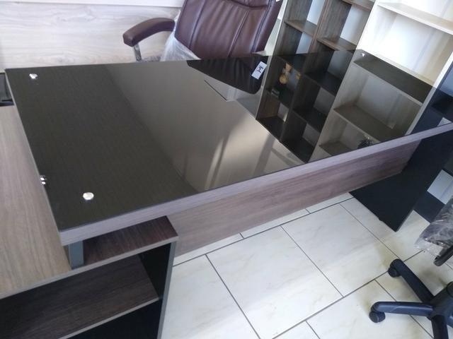 Mesa escritório tampo de vidro 1,70 nova - Foto 5