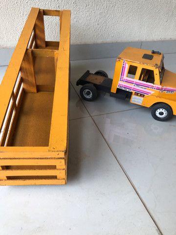 Caminhão Scania madeira boiadeiro RELÍQUIA! brinquedo - Foto 2