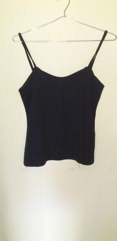 24 camisa preta ventania de alça Tam G