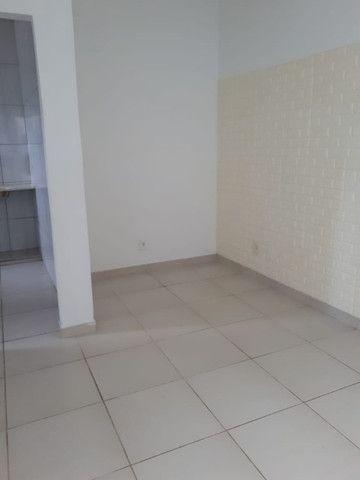 Apartamento sem condomínio no Barreto, 1 quarto, 30 m² - Foto 3