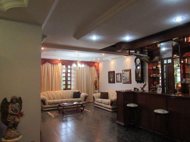 Casa ampla com 03 suítes e com hidro e varandão na QSE 8 - Foto 8