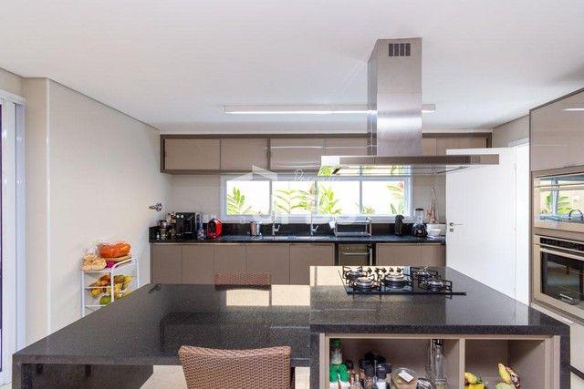 Moderno sobrado de luxo no Alphaville Araguaia, com 442 m² e 4 suítes, com lazer completo - Foto 18