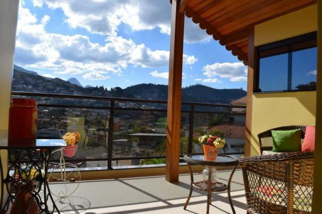 Casa Cascatinha - 3 salas, 3 suítes, 4 vagas - Oportunidade