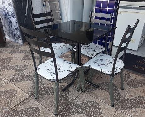 (Entrego e Monto)Lindo Conjunto de Mesa 4 Cadeiras Nova Apenas 350,00 - Foto 2