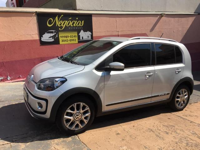 VW Up! Cross 1.0 12v 2015/2016 (Segundo dono com 43.000 km)