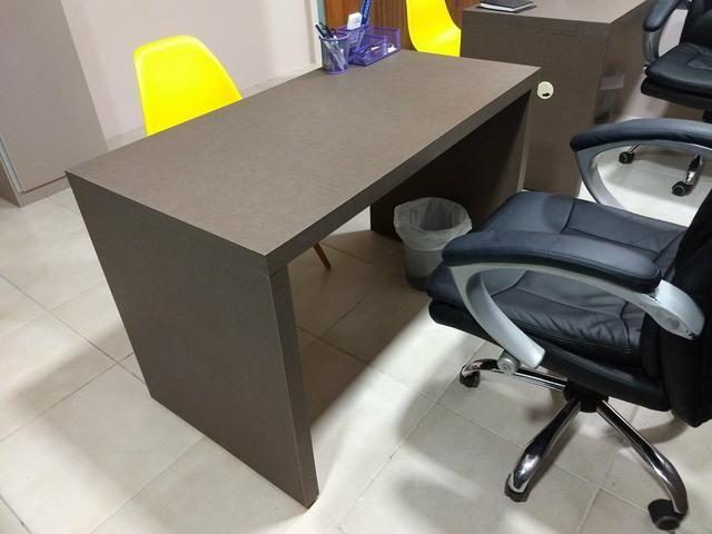 Mesa para escritório praticamente nova - Foto 3