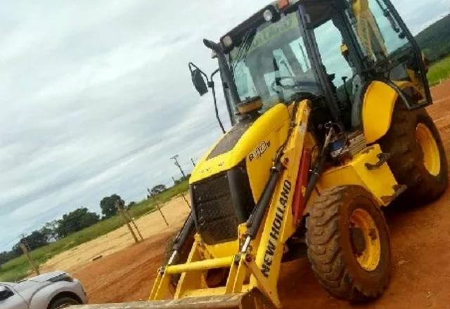 Retroescavadeira NEW HOLLAND B95b - Foto 2
