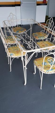 Mesa de jantar de ferro com 06 cadeiras - Foto 6