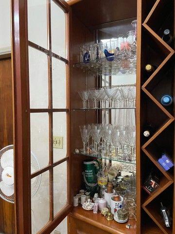 Cristaleira de Madeira  - Foto 5