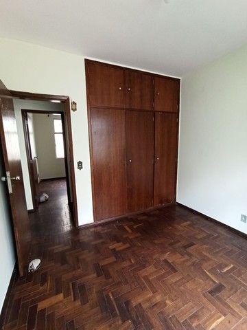 Vendo apartamento de 3 quartos.