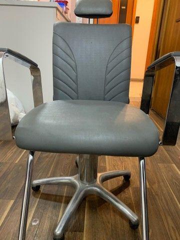 Cadeira de salão/estética Seminova! (Aceito propostas) - Foto 3