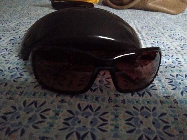 Óculos de sol novíssimo. 30,00 reais - Foto 2