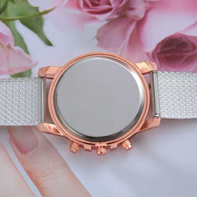 Relógio Simples e Bonito Feminino Branco - Foto 4