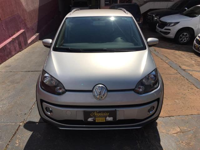 VW Up! Cross 1.0 12v 2015/2016 (Segundo dono com 43.000 km) - Foto 2
