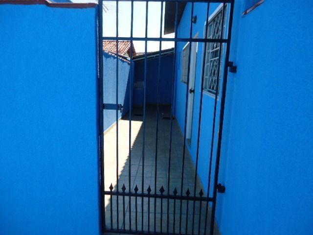 Pequena casa Setor Leste Universitário - Foto 9