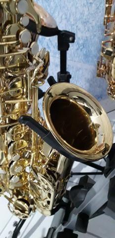 Sax alto novinho lindo muito bom pra iniciantes macio de tocar - Foto 4