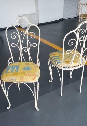 Mesa de jantar de ferro com 06 cadeiras - Foto 5