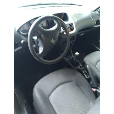 Vendo Peugeot 207 Hatch XR 1.4 ano:2012 - Foto 5