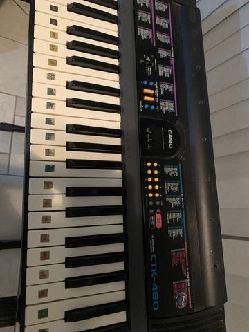 Teclado musical Cassio CTK-480 usado - Foto 2