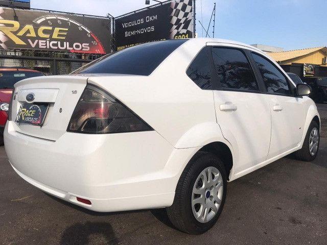 Fiesta sedan 1.6 SE 16 V - Foto 4