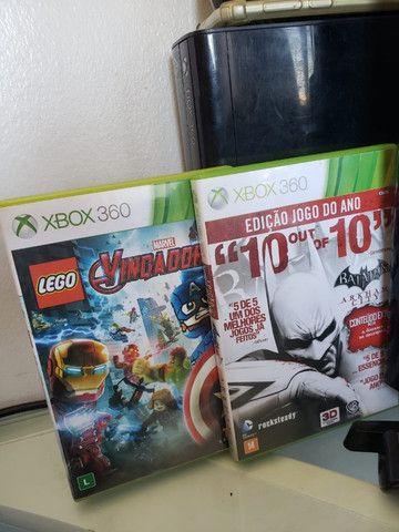 Xbox 360 Slim (Com 2 controles) + 2 jogos - Foto 2