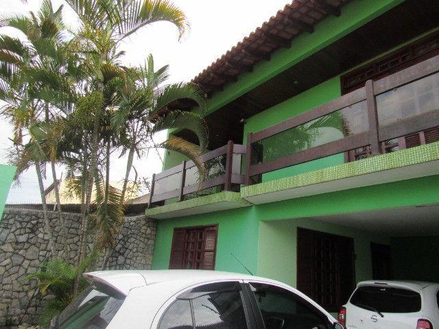 Casa ampla com 03 suítes e com hidro e varandão na QSE 8