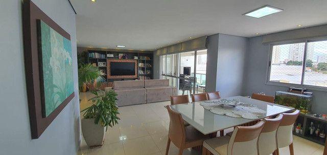 Elegante apartamento próximo ao Shopping Goiabeiras e Shopping Estação