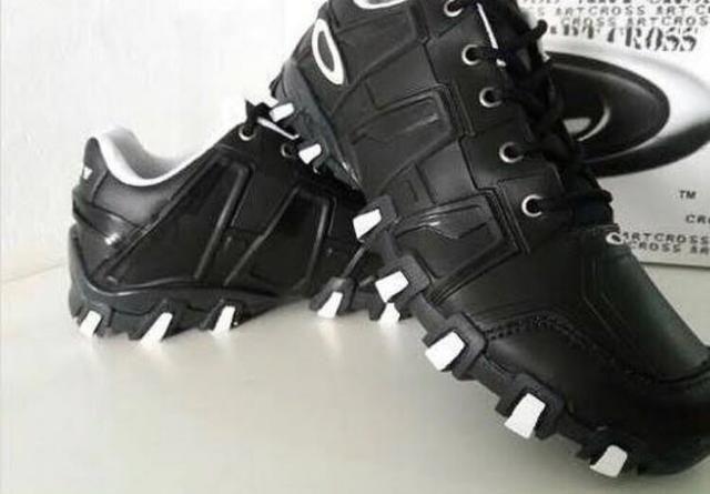 4674d42d0 Tênis bota botinha oakley masculino feminino barato promoção ...