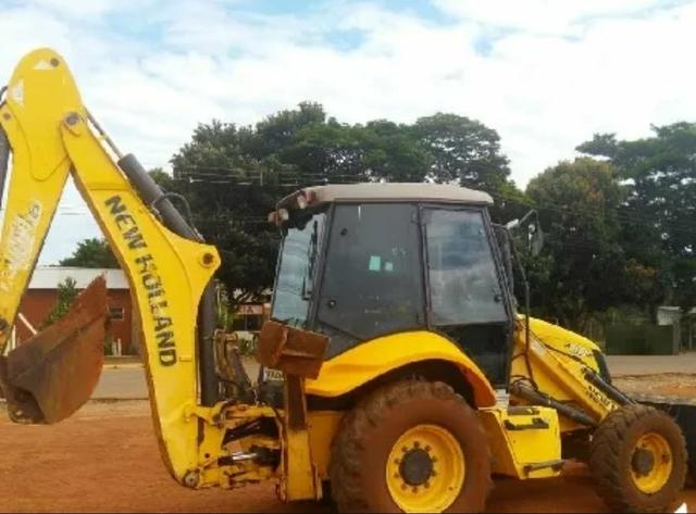 Retroescavadeira NEW HOLLAND B95b - Foto 4