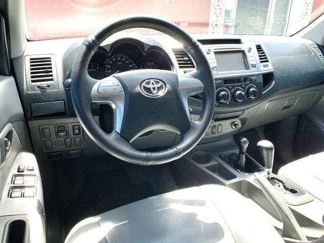 Toyota Hilux SR 15/15 pneus novos Completa!!! - Foto 8