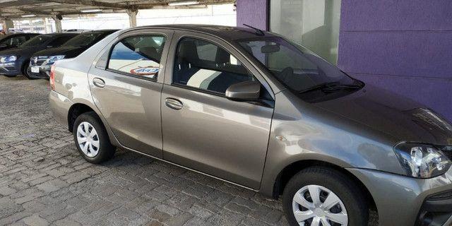 Etios x sedan 1.5 manual/ 19/20 - Foto 4