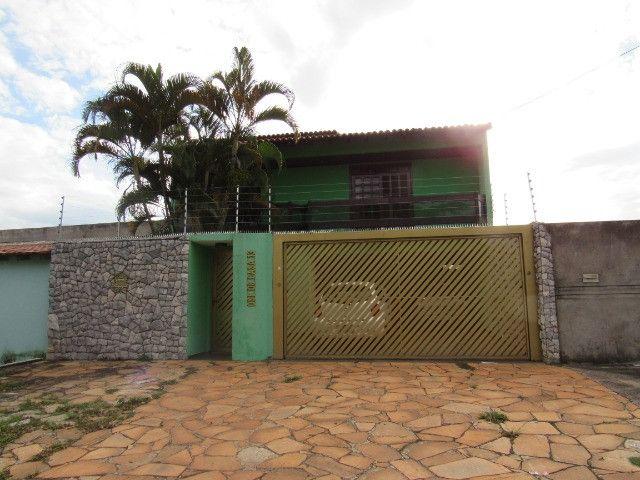 Casa ampla com 03 suítes e com hidro e varandão na QSE 8 - Foto 20