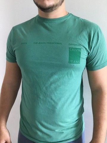 Camisa Calvin Klein Verde TAM M - Foto 2