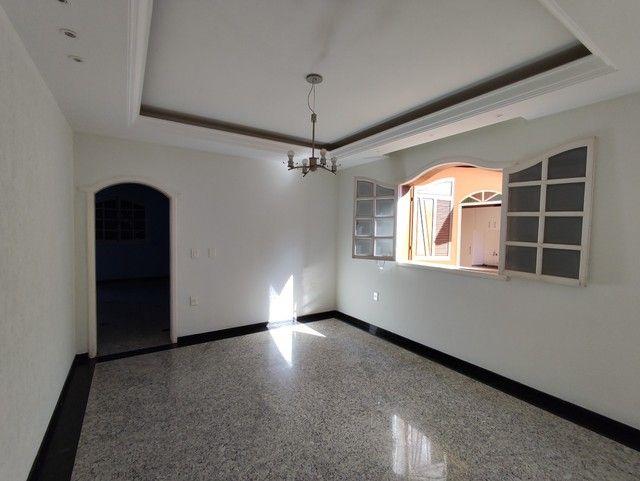 Casa á venda, 04 quartos com suíte, Barreiro/MG - Foto 6