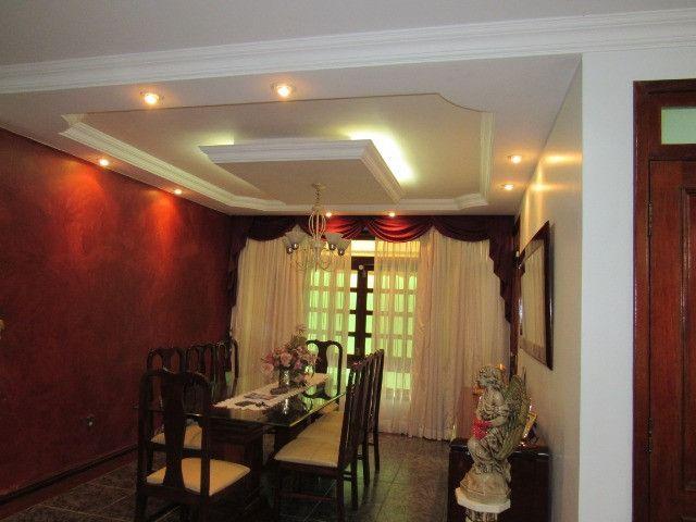 Casa ampla com 03 suítes e com hidro e varandão na QSE 8 - Foto 10