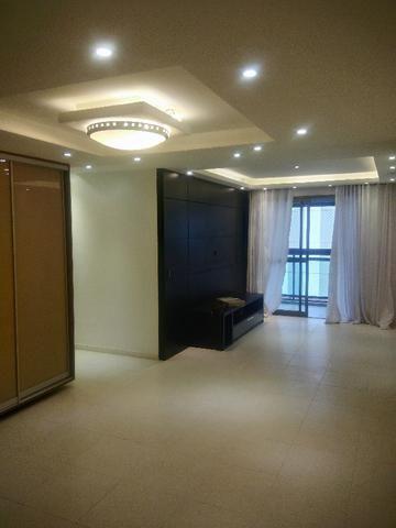Apartamento 3/4, armários, prédio novo