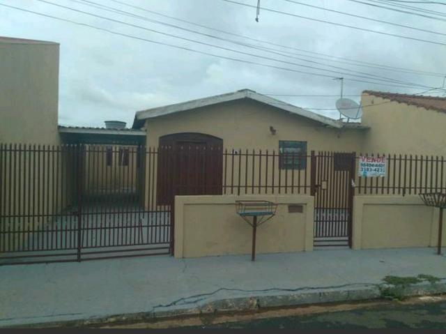 Vende-se casa na Moreninha 2