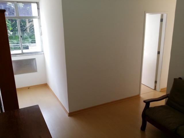 Apartamento de 03 quartos (01 revertido), bem localizado. Botafogo - Rio Janeiro - RJ