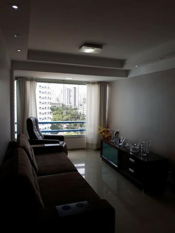 Ótimo apto no Prado, tem 83 m² com 3 qts, 2 vagas e bem localizado