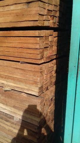 Vendo madeira bruta e beneficiada