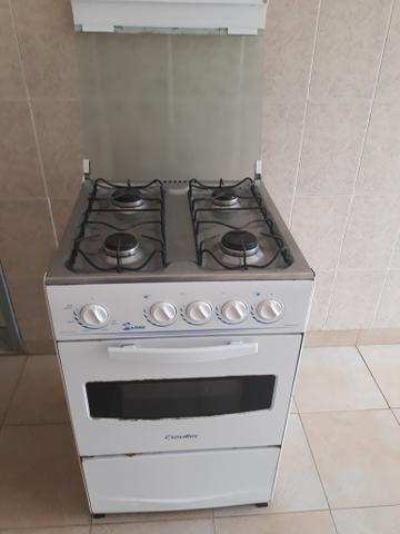 Eu estou vendendo um fogão por apenas r$ 120