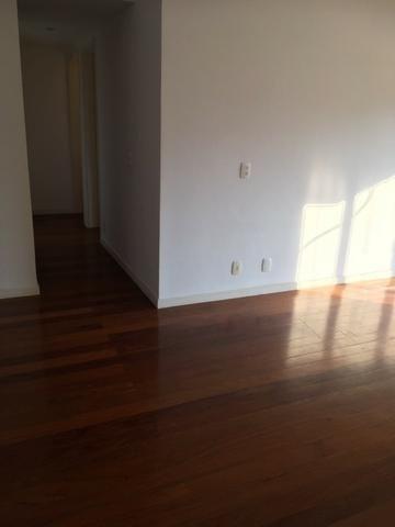 Ótimo apartamento 2 quartos com varanda e garagem na Carlos Vasconcelos - Foto 4
