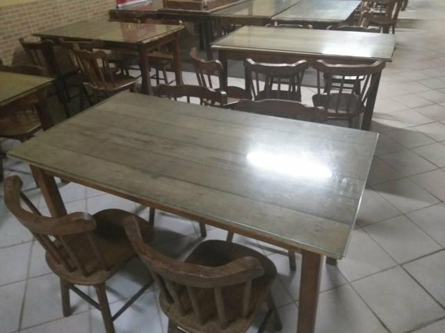Vendo Mesa com 4 cadeiras - Foto 2
