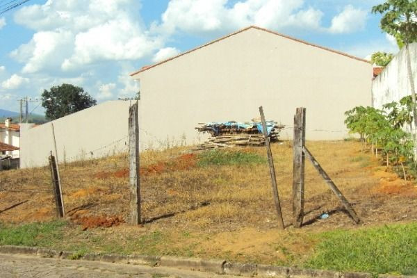 Vendo - Terreno em São Lourenço-MG com 402 m² - Foto 2