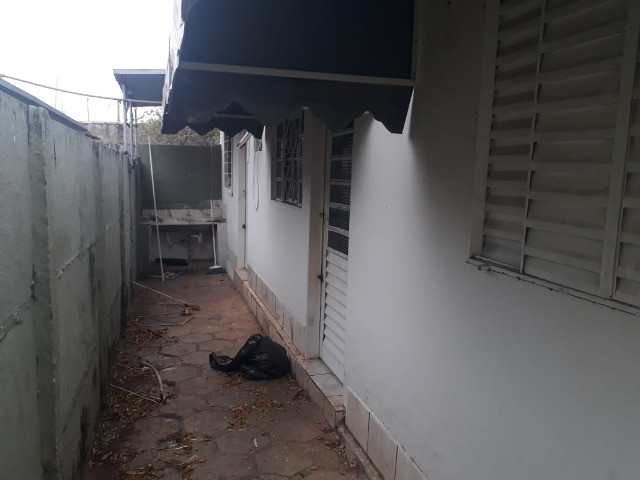 Aluga-se Casa de Fundos na Boa Vista - Foto 6