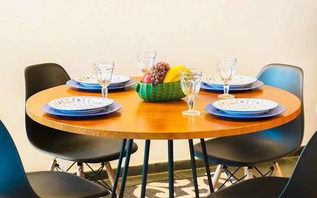 Mesa redonda estilo industrial + 4 cadeiras  - Foto 5