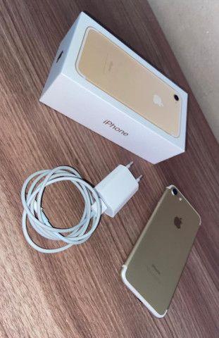 iPhone 7 dourado - Foto 2
