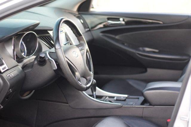 Hyundai  Sonata  70 Mil km / Mega Conservado  - Foto 11